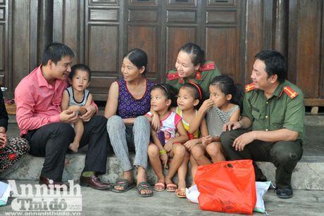 Vuot song ve voi dong bao ron lu Tuyen Hoa, Quang Binh - Anh 2