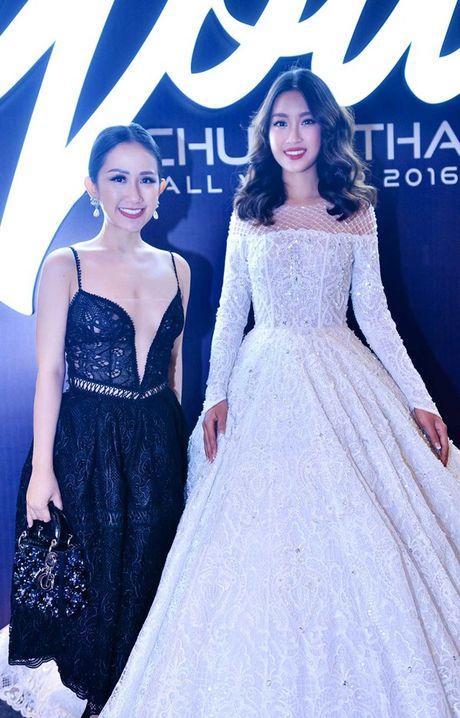 Fashionista Tram Nguyen do dang quyen ru ben canh hoa hau Do My Linh - Anh 6