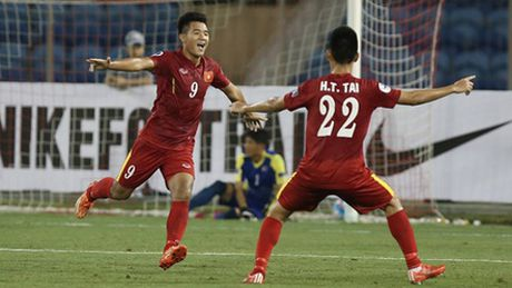 Xuc dong nhung khoanh khac cua U19 Viet Nam o vong bang - Anh 1