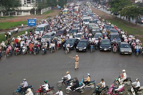 Phan luong giao thong phuc vu Hoi nghi cao cap ACMECS 7 - Anh 1