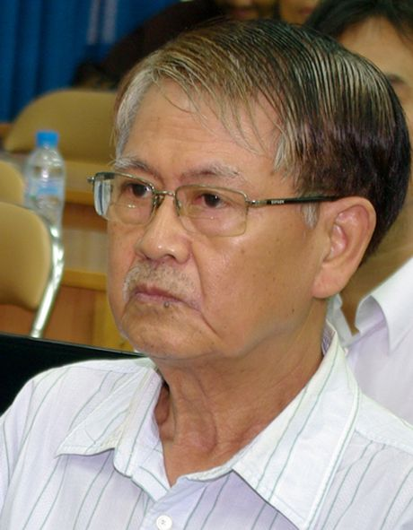 Nha van Le Van Thao tu tran vi ung thu phoi - Anh 1