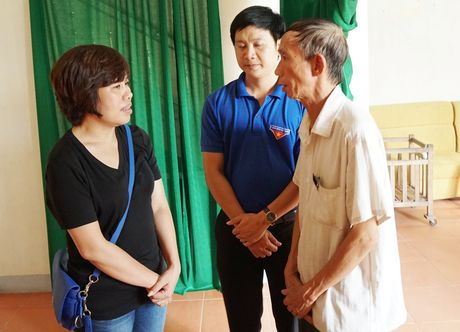Bao Thanh Nien chia se voi dong bao vung lu Ha Tinh - Anh 9