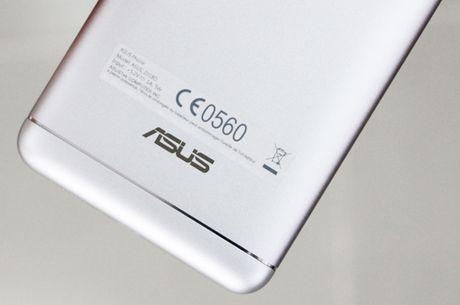 Zenfone 3 Laser con hon mot smartphone chuyen chup anh? - Anh 2