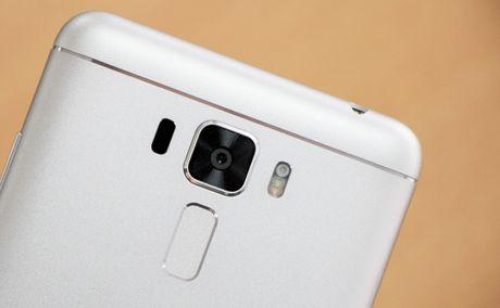 Zenfone 3 Laser con hon mot smartphone chuyen chup anh? - Anh 7
