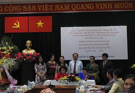 Hoi LHPN TP HCM Thanh pho Ho Chi Minh va Hoi LHPN Thu do Vieng Chan ky ket bien ban ghi nho - Anh 1