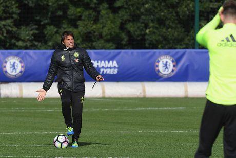 Don Terry tro lai, Conte san sang doi dau Mourinho - Anh 10