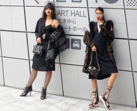 Mai Ngo lo nhuoc diem tai Seoul Fashion Week - Anh 1