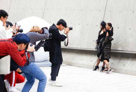 Mai Ngo lo nhuoc diem tai Seoul Fashion Week - Anh 4