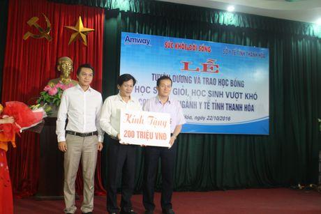 Bao SK&DS tiep suc cho uoc mo cua hoc sinh vuot kho Thanh Hoa - Anh 1