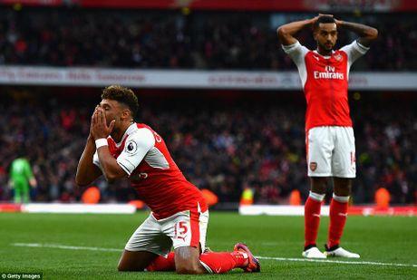 Premier League: Arsenal len ngoi dau sau tran cau nhat nhoa - Anh 1