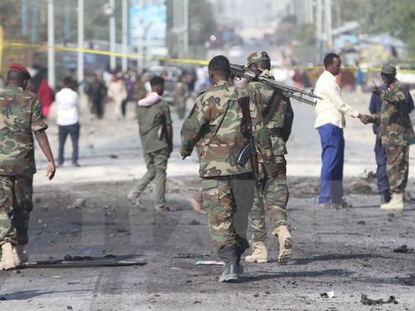 Phien quan chiem mot thi tran o Somalia sau khi binh sy AU rut di - Anh 1