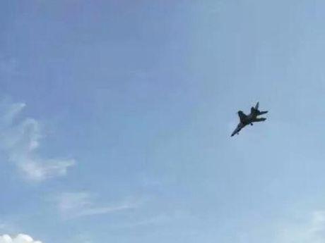May bay nem bom Trung Quoc lao xuong dat no tung? - Anh 5