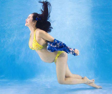 My nhan Vbiz dien bikini qua doi goi cam luc bau bi - Anh 3