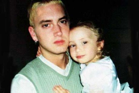Con gai rapper Eminem lon nhanh nhu thoi, xinh den ngo ngang - Anh 3