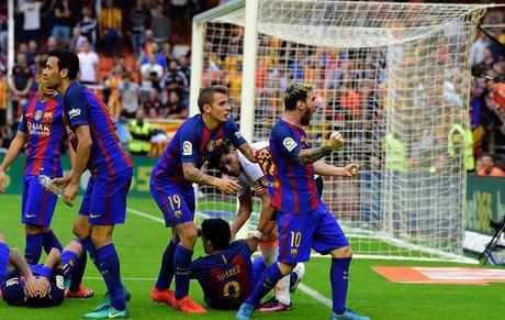 Bao ve Neymar, Messi san sang 'dan mat' CDV Valencia truoc ong kinh - Anh 1