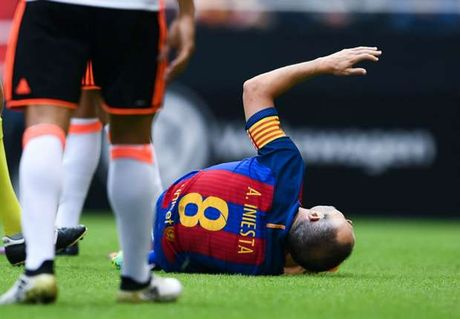 Andres Iniesta dem tin du den Barca - Anh 1