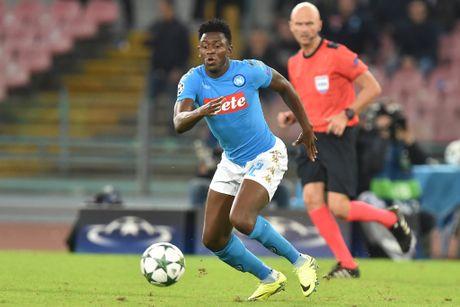 20h00 ngay 23/10, Crotone vs Napoli: Khong co kich ban cho truyen co tich - Anh 1