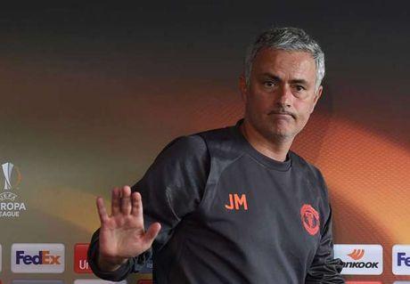 Doi hinh ra san Chelsea vs M.U: Mourinho lai cau hoa? - Anh 1