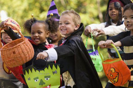 Giai ma phong tuc 'cho keo hay bi gheo' trong le hoi Halloween - Anh 4