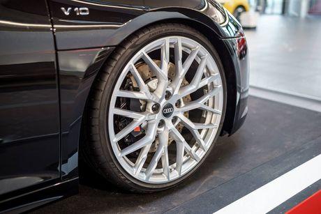 Sieu xe Audi R8 'cua doi' co 1 khong 2 tren The gioi - Anh 3