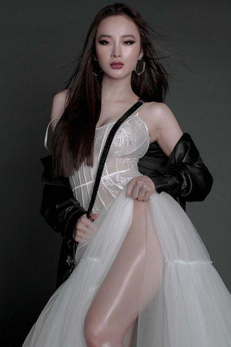 Sao Viet sexy vo doi voi mot vay khong noi y - Anh 1
