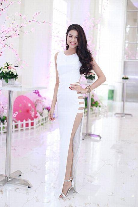 Sao Viet sexy vo doi voi mot vay khong noi y - Anh 2