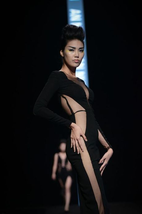Sao Viet sexy vo doi voi mot vay khong noi y - Anh 3
