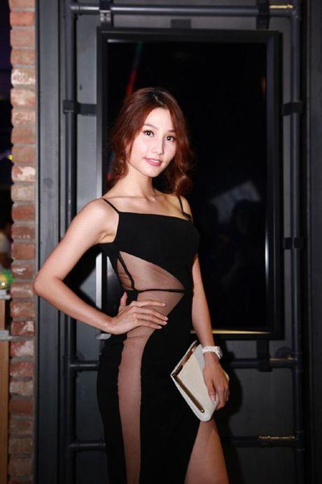 Sao Viet sexy vo doi voi mot vay khong noi y - Anh 6