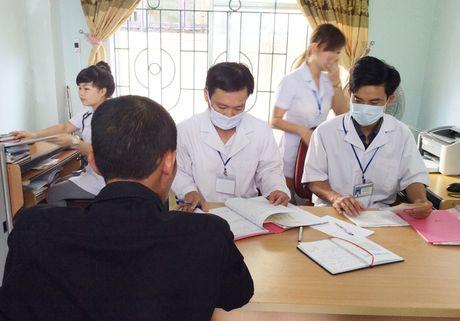 Phong chong HIV/AIDS: Huong den viec tiep nhan nhu cau tung nguoi benh - Anh 1