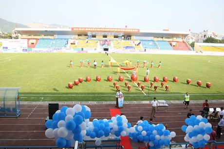 TRUC TIEP U.21 Than Quang Ninh 0-0 U.21 HAGL: Day song san Cam Pha - Anh 2