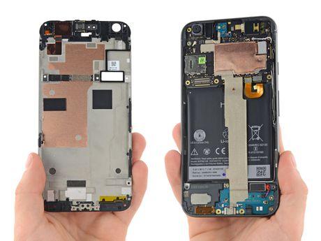 Ben trong Pixel XL: man hinh + bo nho trong + RAM cua Samsung, pin HTC, 6/10 diem iFixit - Anh 6