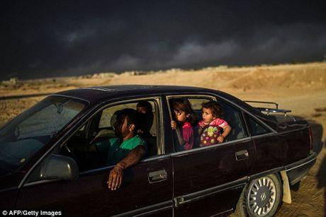 """IS dot nha may luu huynh, nguoi dan Iraq """"gap hoa"""" - Anh 1"""