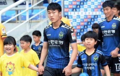 Xuan Truong chinh thuc da chinh o K-League luc 15 gio ngay 23-10 - Anh 1