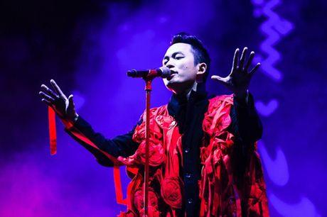 Anna Truong mang lan gio tuoi moi den Le hoi Gio mua - Anh 2