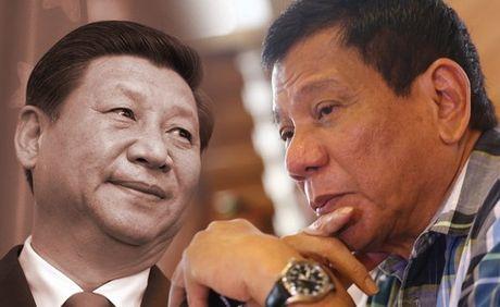 Duterte tinh toan dieu gi khi tien cu Nhat Ban cung tham gia dam phan Bien Dong? - Anh 1