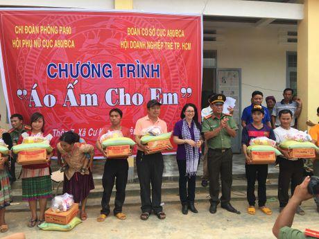 To chuc chuong trinh 'Ao am cho em' - Anh 1