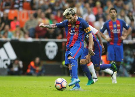 Barca: Messi ghi ban thang 3-2, Neymar hung vat the la - Anh 1