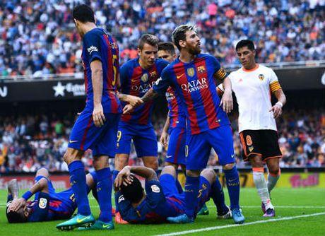 Barca: Messi ghi ban thang 3-2, Neymar hung vat the la - Anh 5