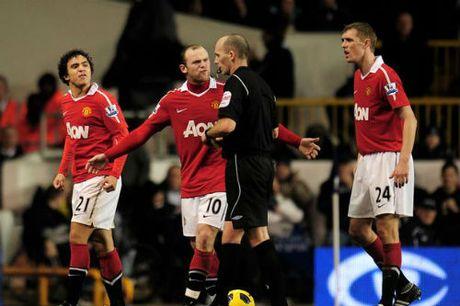 "MU: Sir Alex tung ""xau xi"" nhu Mourinho de thanh cong - Anh 3"