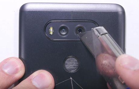 LG V20 toi ta vi bi 'rach mat' va 'be xuong song' - Anh 8