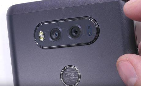 LG V20 toi ta vi bi 'rach mat' va 'be xuong song' - Anh 9