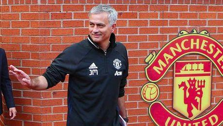 Mourinho gap lai Chelsea: Moi duyen lanh am mui thuoc sung - Anh 1