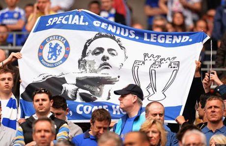 Mourinho gap lai Chelsea: Moi duyen lanh am mui thuoc sung - Anh 2