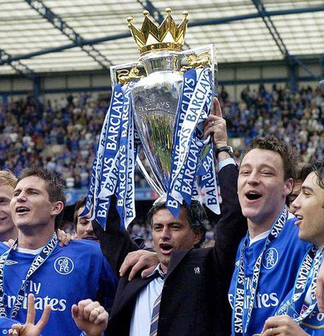 Mourinho gap lai Chelsea: Moi duyen lanh am mui thuoc sung - Anh 3