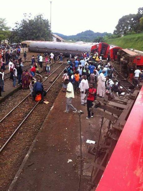 Hon 59 nguoi chet, 600 bi thuong vi tau lua lat o Cameroon - Anh 2