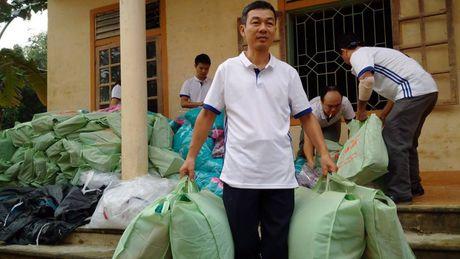 Bao Lao dong Thu do tiep tuc hanh trinh cuu tro tai ron lu Huong Khe - Anh 10