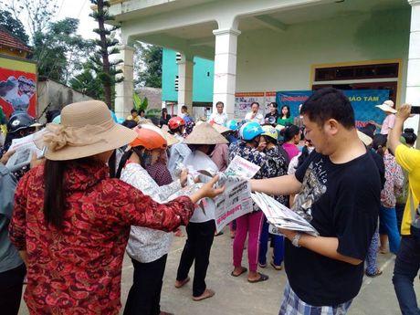 Bao Lao dong Thu do tiep tuc hanh trinh cuu tro tai ron lu Huong Khe - Anh 12