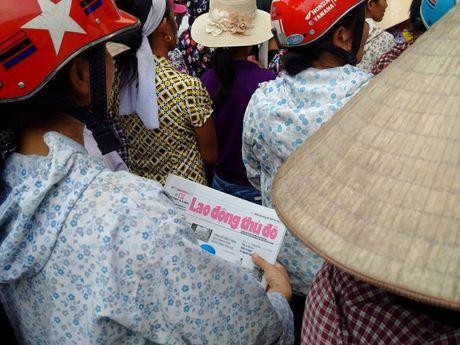 Bao Lao dong Thu do tiep tuc hanh trinh cuu tro tai ron lu Huong Khe - Anh 13