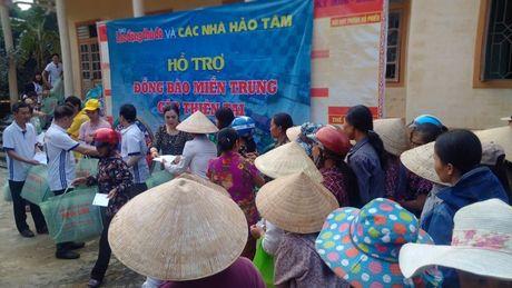 Bao Lao dong Thu do tiep tuc hanh trinh cuu tro tai ron lu Huong Khe - Anh 1