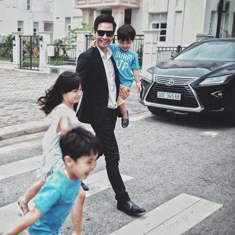 'Su that' cuoc song gia dinh cua MC Phan Anh phia sau su nang no cua anh - Anh 2